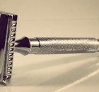 safety-razor-long-nostalgic